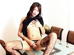 Ladyboy May Jerks Wanting Plus Cums..